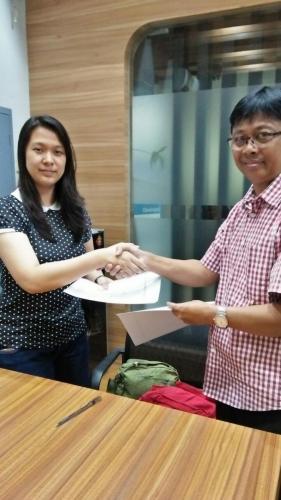 tanda tangan kontrak beasiswa kamajaya 11