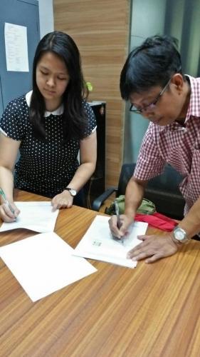 tanda tangan kontrak beasiswa kamajaya 16