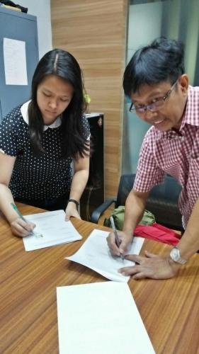 tanda tangan kontrak beasiswa kamajaya 18