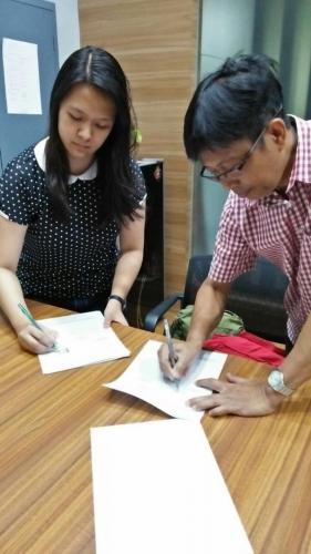 tanda tangan kontrak beasiswa kamajaya 9